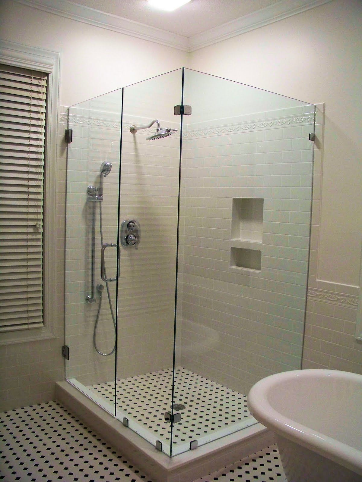 Cute Beautiful Bathrooms With Shower Curtains Tall Bathroom Wall Tiles Pattern Design Clean Led Bathroom Globe Light Bulbs Replace Bathtub Shower Doors Youthful Bathroom Shower Designs DarkPorcelain Tile Bathroom Photos 1000  Images About Master Bathroom On Pinterest | Traditional ..