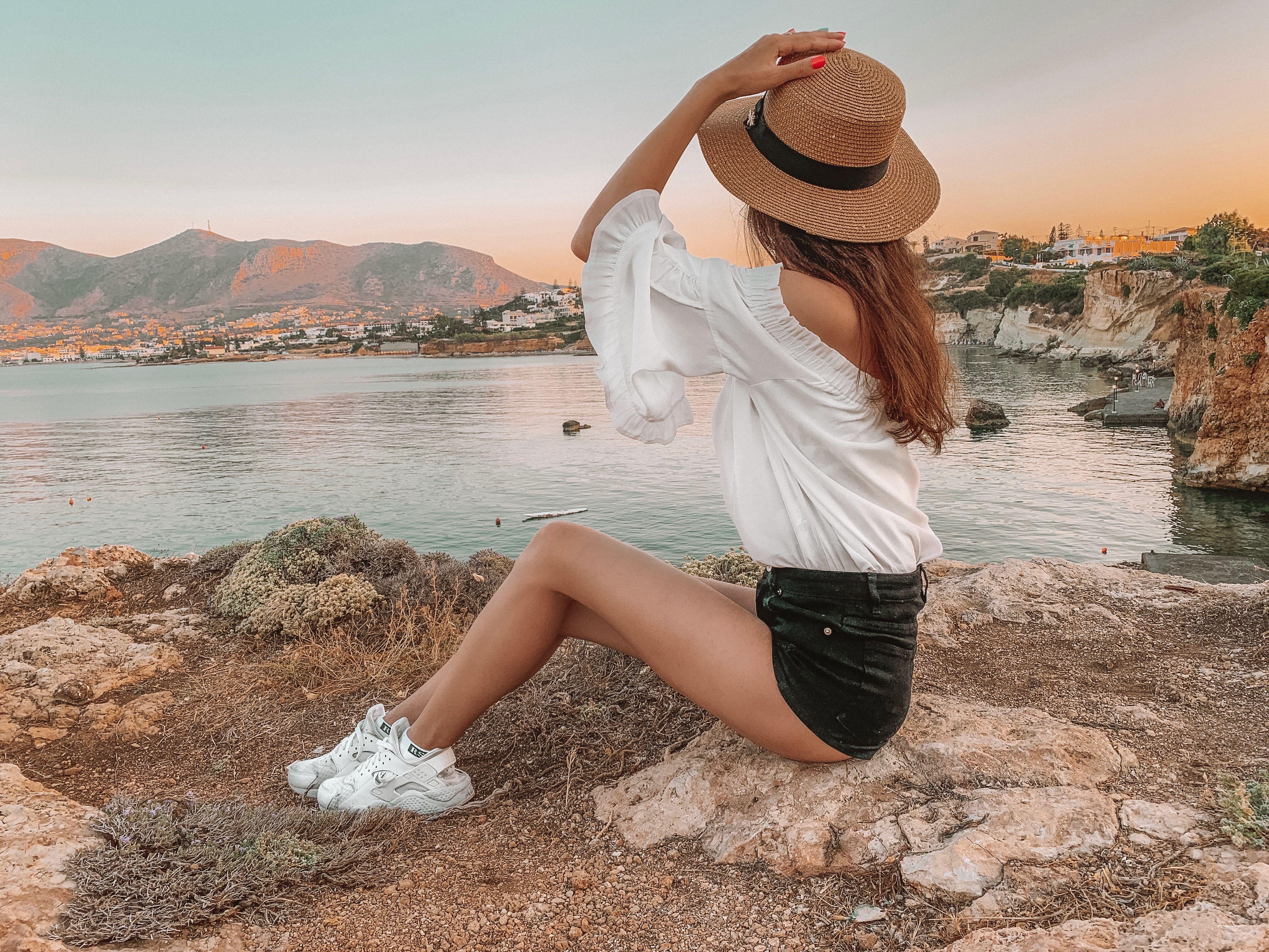 модные позы фото на море