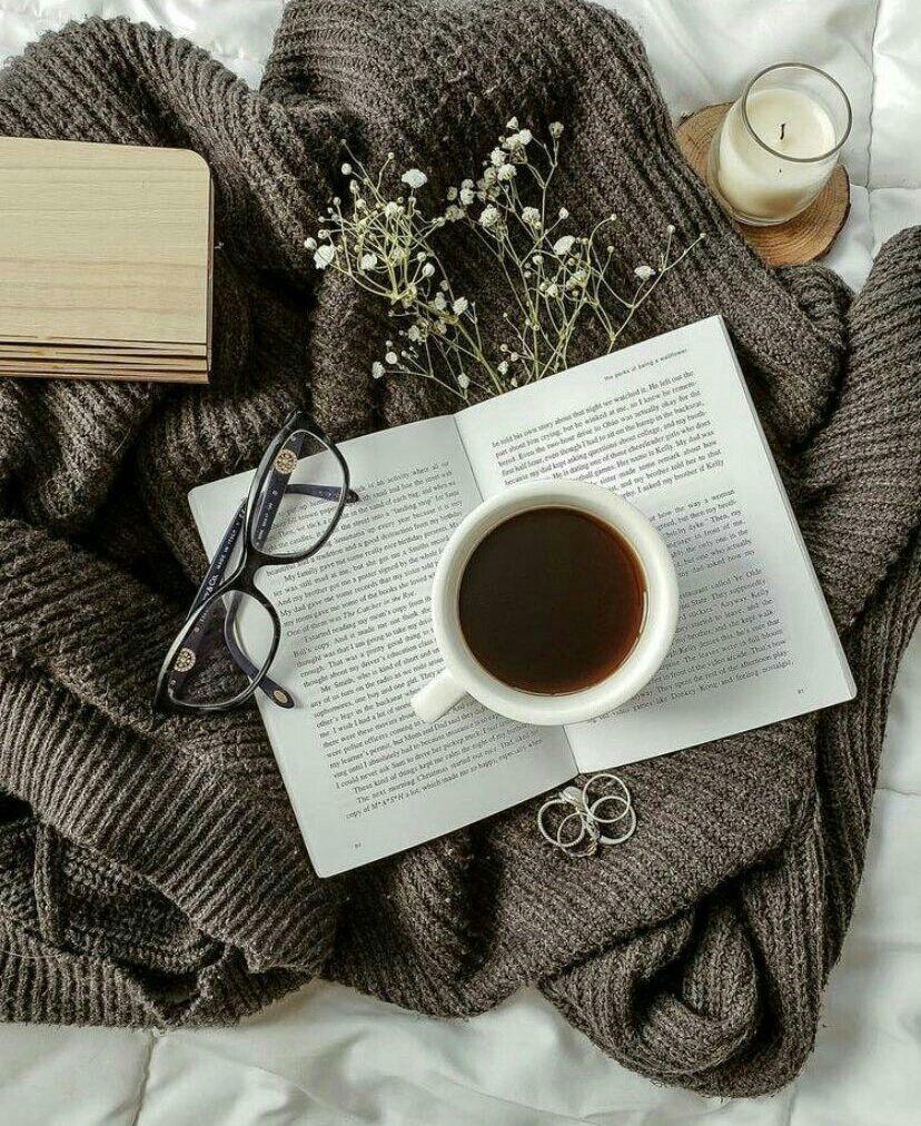 لا اكتب لتقرأ و انما لتفهم معنى الكلام Book Photography Instagram Coffee And Books Tea And Books