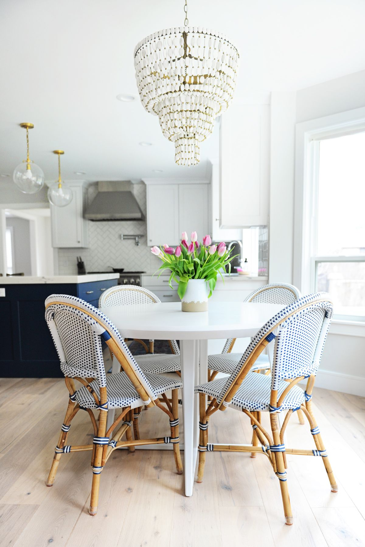 10 of the prettiest breakfast nook ideas homegoods enthusiasts rh pinterest com