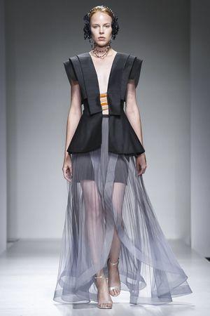 Fashion Arabic Style   Illustration   Description   Ilse Jara Spring 2017 Arab Fashion Week Dubai    – Read More –