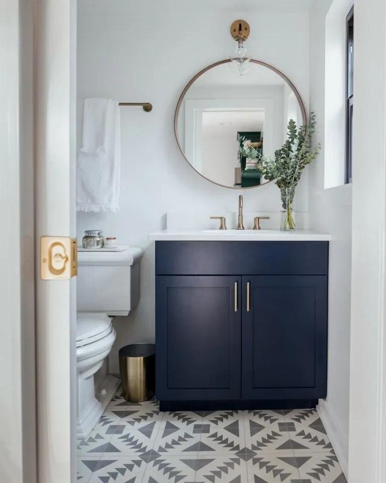 Bathroom Decor Flowers Can Bathroom Decor Bathroom Decor Kitty Bathroom Decor Grey And In 2020 Badezimmereinrichtung Modernes Badezimmerdesign Bad Fliesen Designs