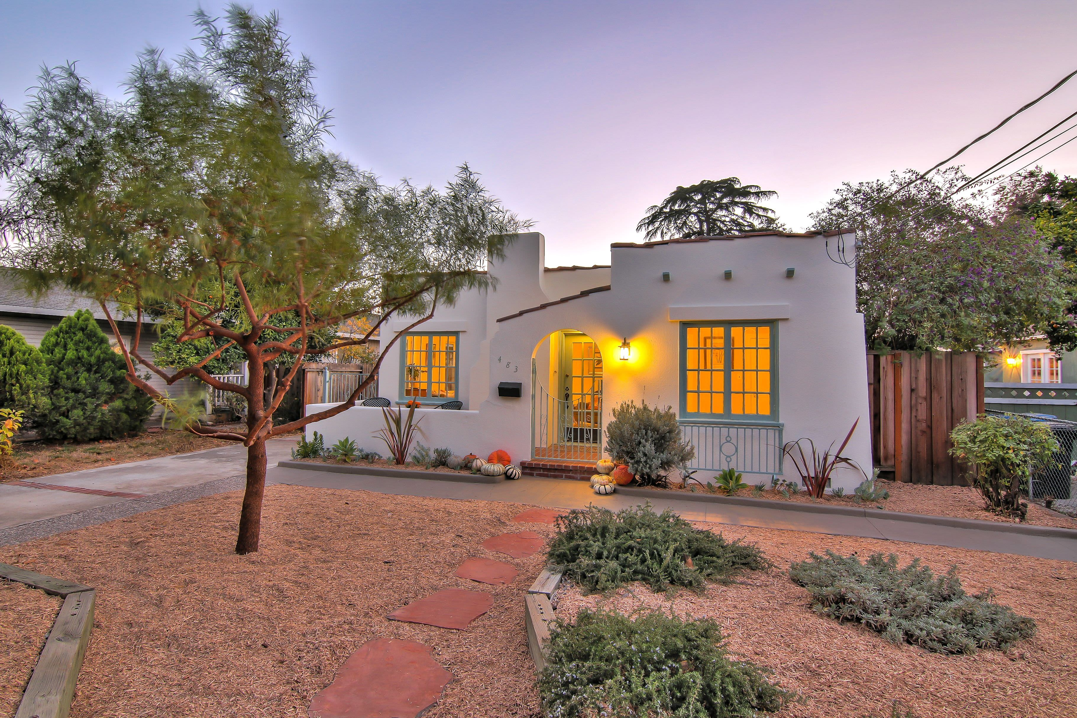 Look Inside A 1928 Tiny House In San Jose Asks 798k Spanish Bungalow Bungalow Landscaping Spanish Style Homes