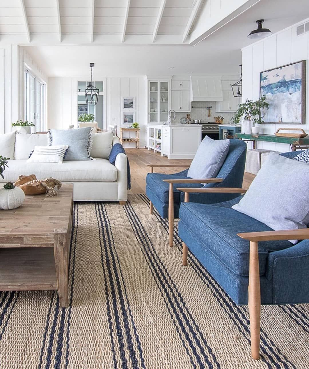 Rustic Coastal Vibes In This Room And That Rug Makes A Huge Impact From Lilypadcottage Fa Beach House Interior Lake House Interior Beach House Living Room