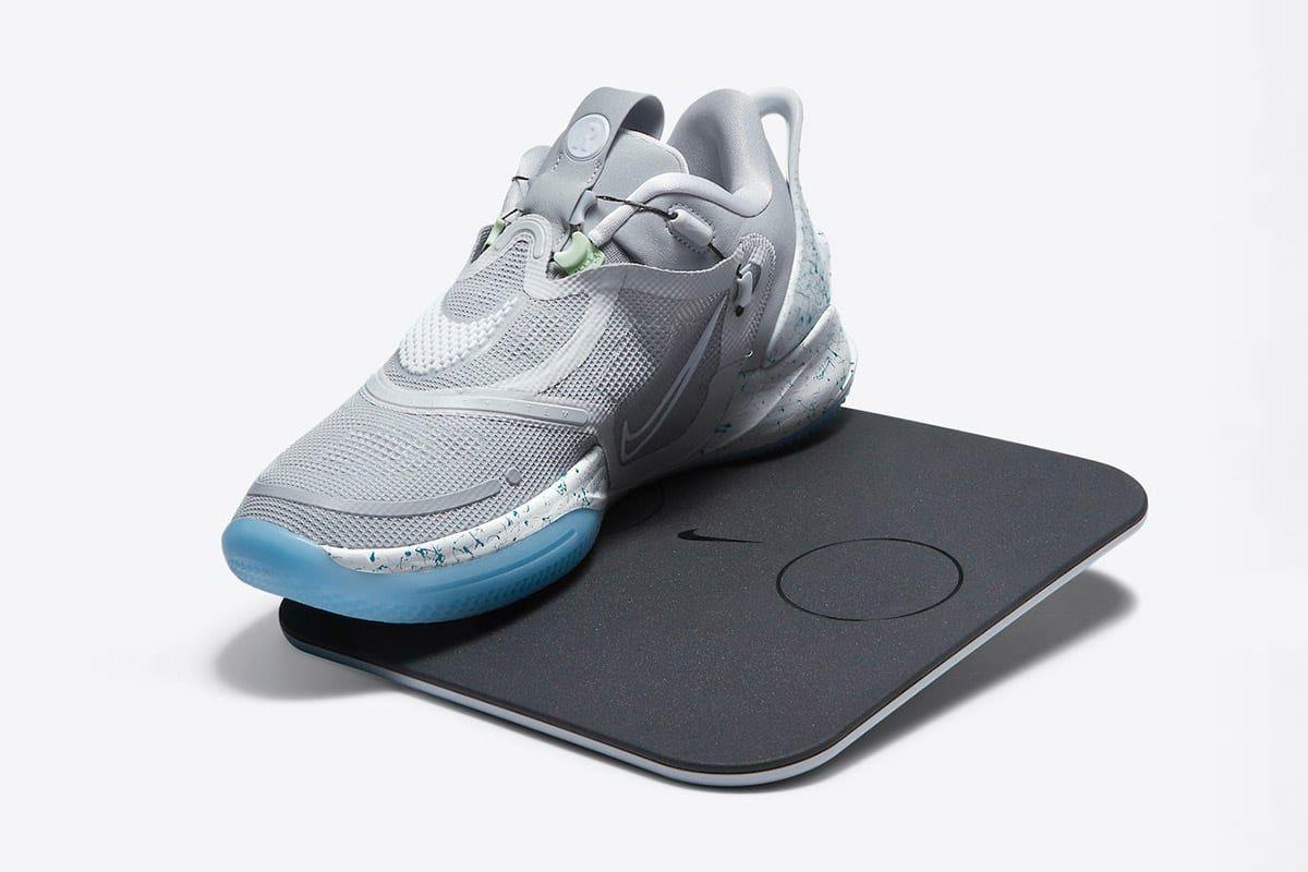 Samowiazace Nike Adapt Bb 2 0 Nadchodza W Kultowej Kolorystyce Mag Basketball Shoes Basket Nike Nike