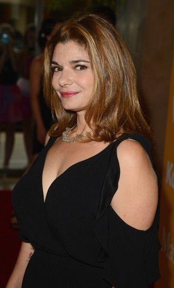 Laura San Giacomo Bra Size, Age, Weight, Height ...