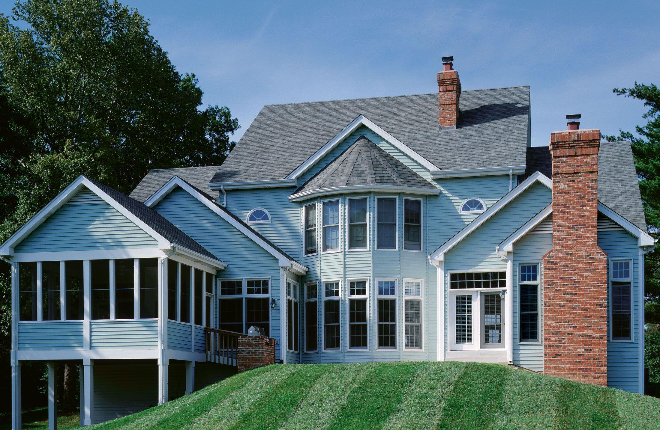 Oxford Blue Certainteed Photos Certainteed Com Blue Siding House Exterior Certainteed