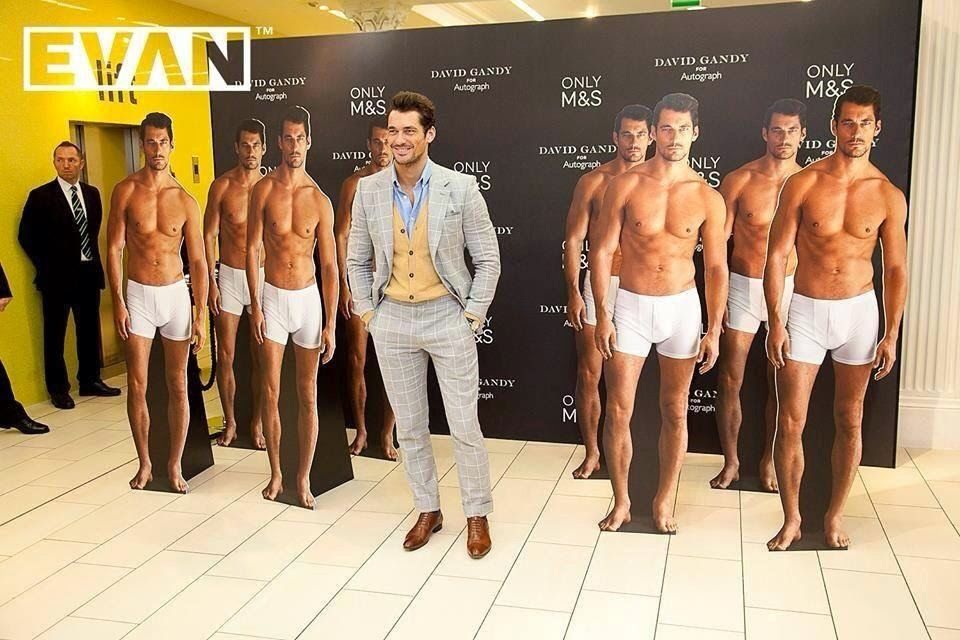 Meet & Greet con David Gandy durante il lancio della sua gamma di biancheria intima per M & S a Dublino ~ David James Gandy