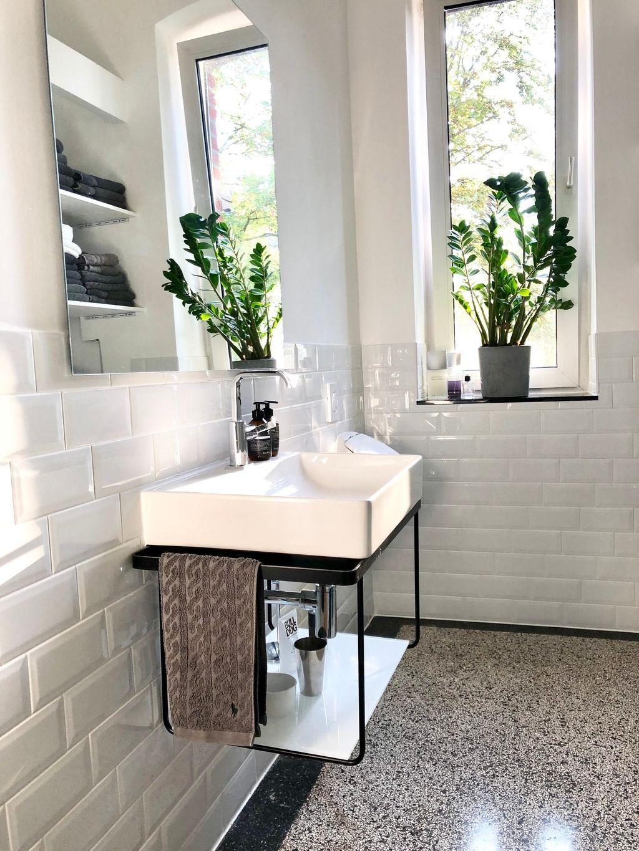 Bathroom Reality Bathroom Badezimmer Altbau Altbauliebe Minimalism Terrazzo Metrofliesen Instahome Badezimme In 2020 Badezimmer Neues Badezimmer Zimmer