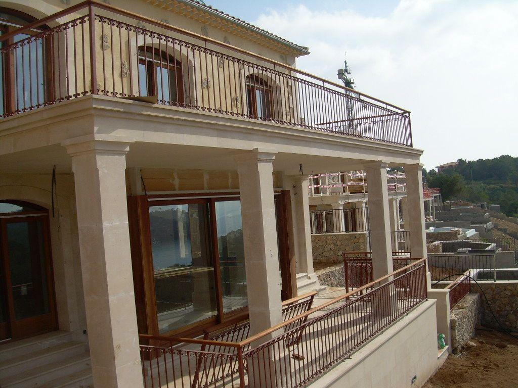 Barandillas de hierro forjado para los exteriores de una - Mejor pintura para hierro exterior ...
