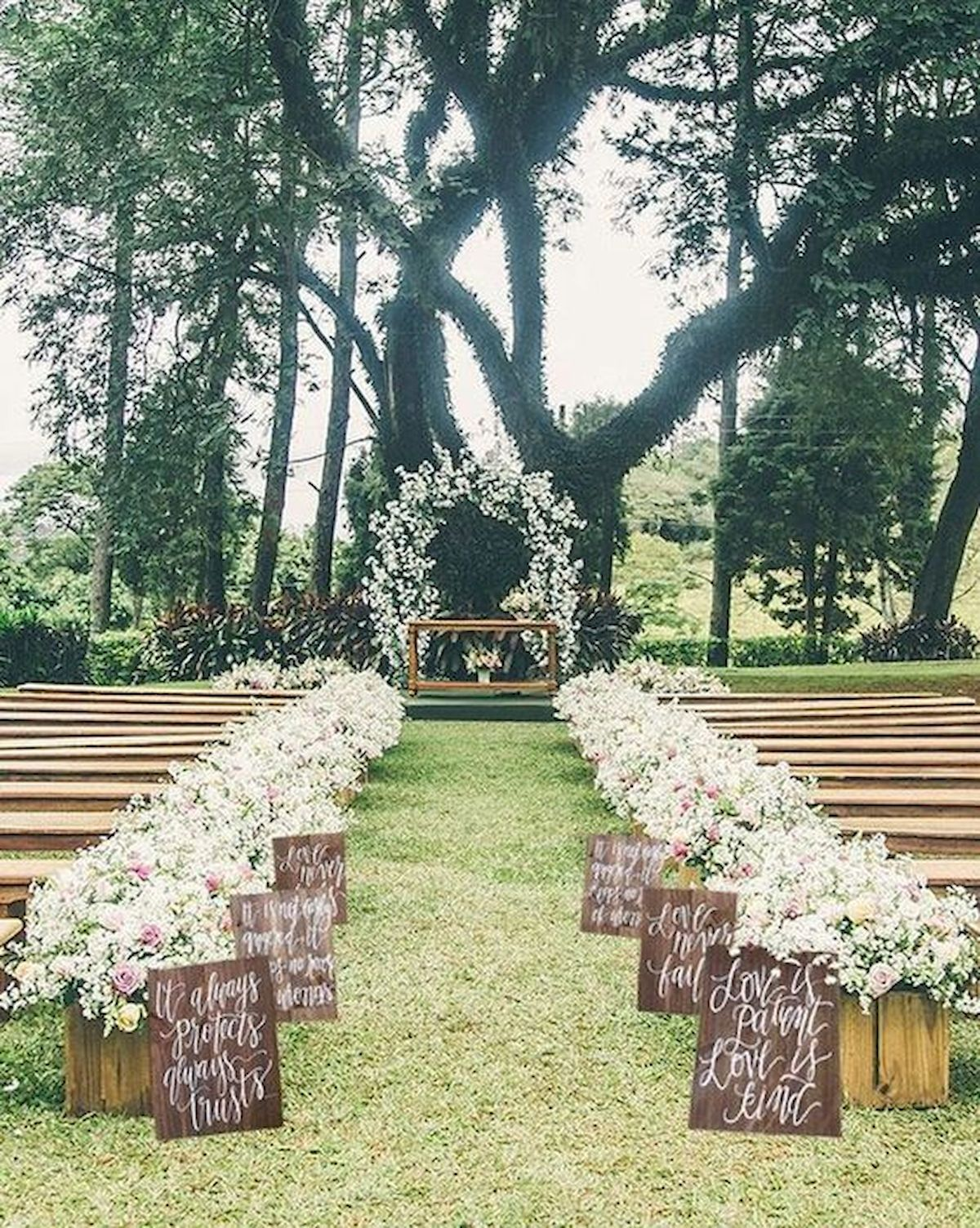 Nice 70 Beautiful Outdoor Spring Wedding Ideas Https Coachdecor Com 70 Beautiful Outdoor Spring Outdoor Wedding Decorations Outdoor Wedding Romantic Backyard