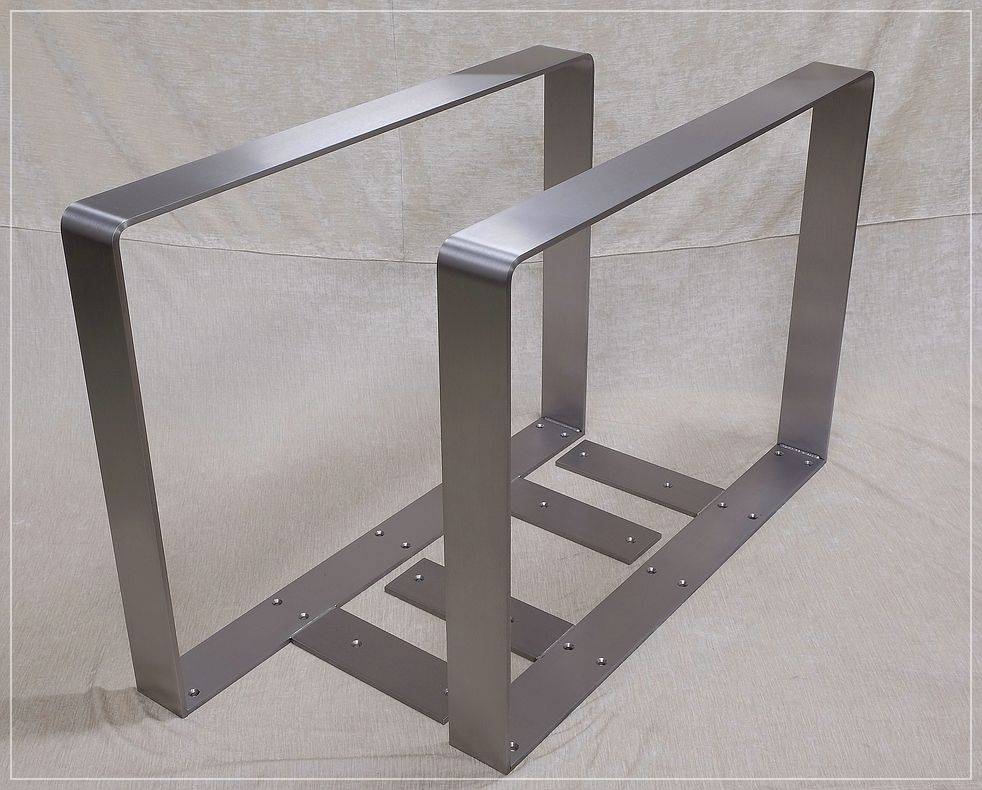 stahl tischkufen edelstahl metallbau stelzer. Black Bedroom Furniture Sets. Home Design Ideas