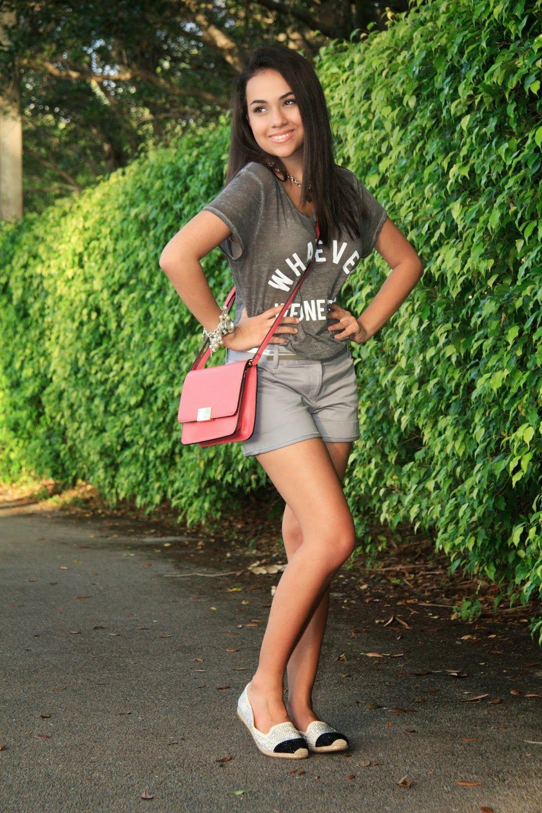 @express outfit. college. street style #Expressrunway #LoveExpress summer, graphic tee @stylishlyinlove  stylishlyinlove.blogspot.com