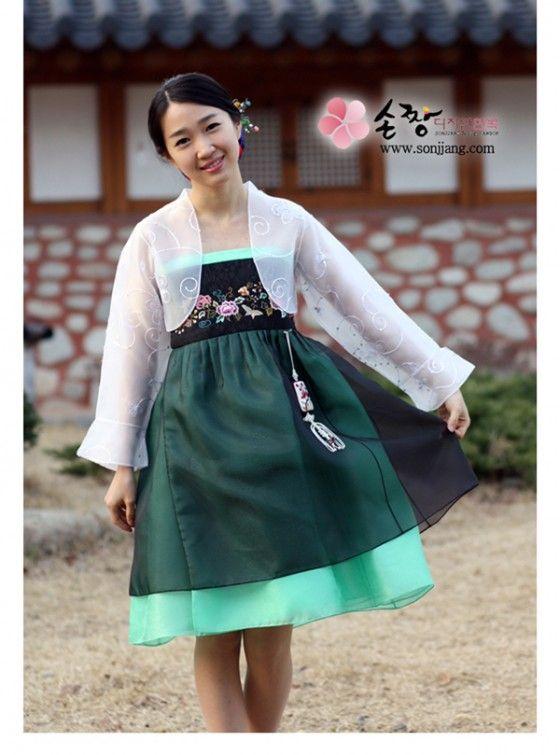 Modern hanbok 4231e7b902b5c72e0219ed9a540deb44