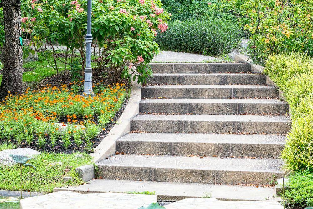 Prix du0027un escalier en pierre Coût des Travaux Pinterest Interiors - cout d une terrasse en bois