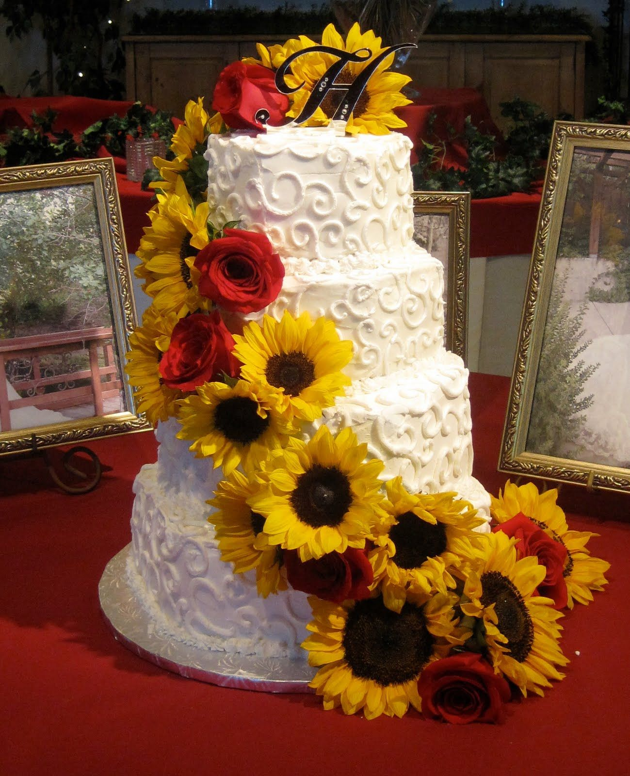 wedding cakes with sunflowers and roses cakes with sunflowers on sunflower wedding 26125