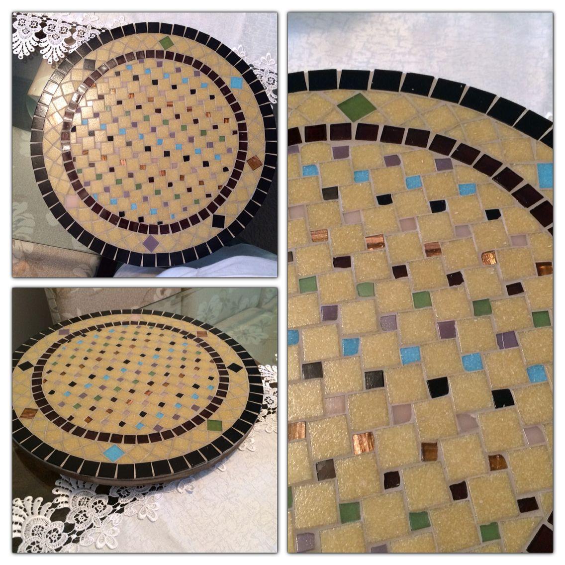 Base giratória em MDF com mosaico em pastilha