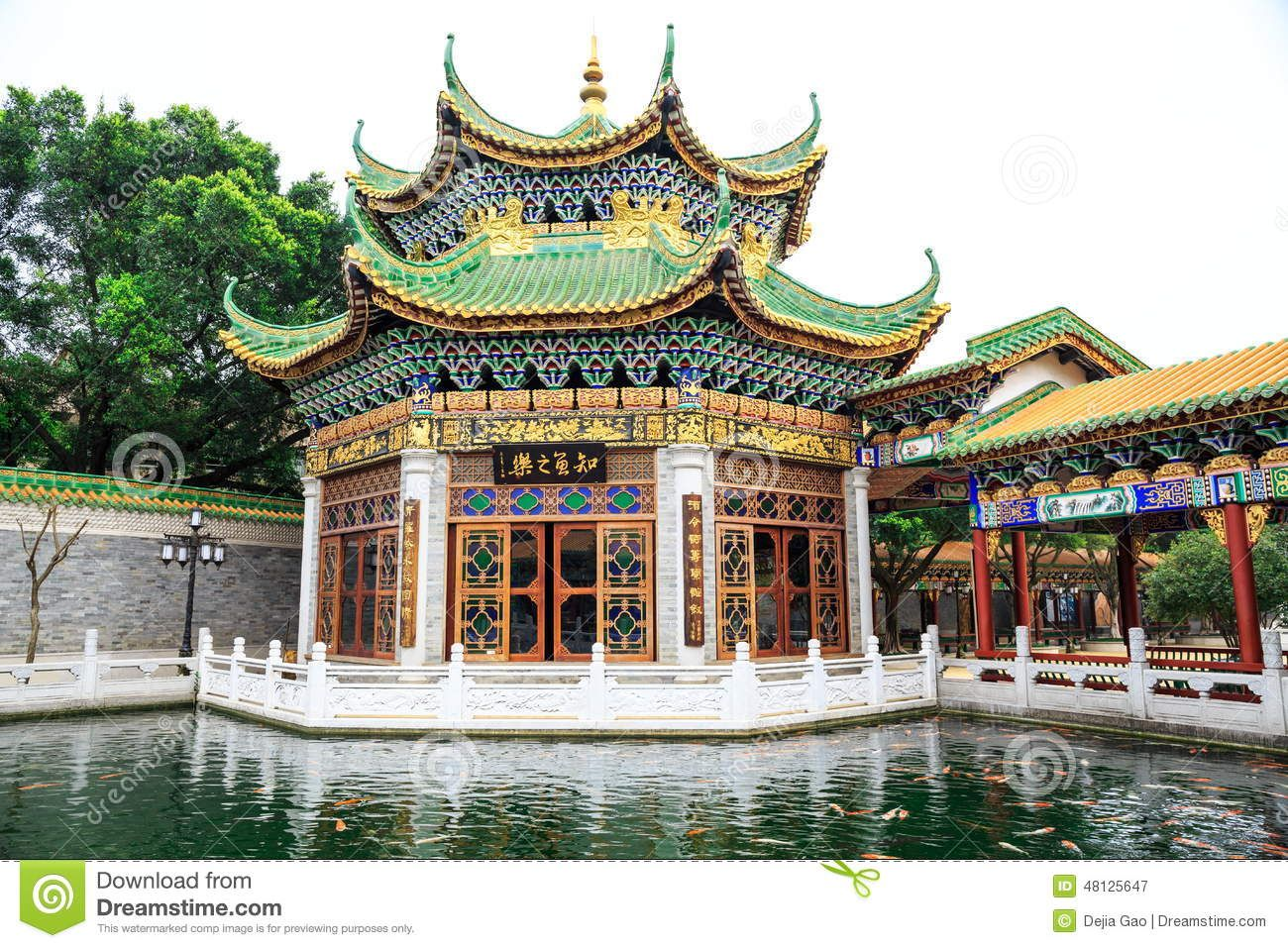 Traditional chinese house ancient chinese garden east for Architecture orientale