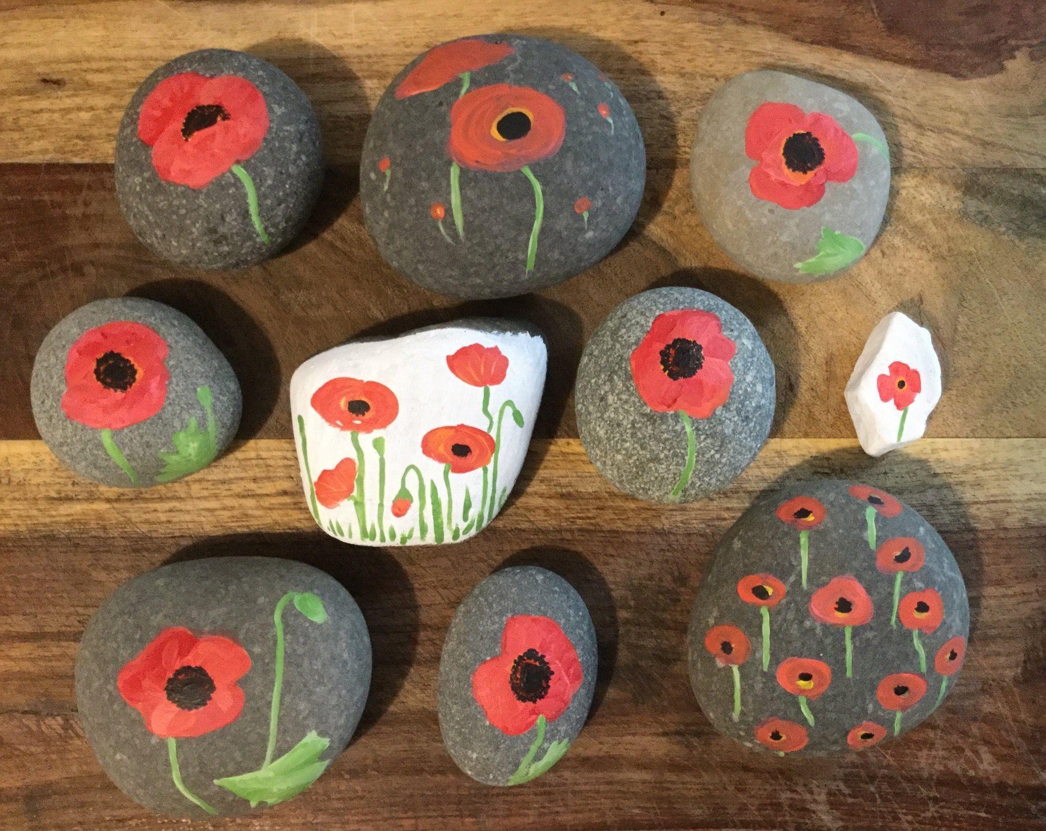 Painted Rocks Memorial Day Poppy Northeast Ohio Rocks! #northeastohiorocks #poppycraftsforkids