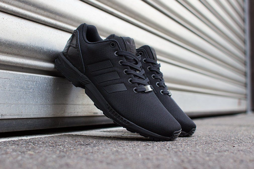 zx flux adidas black