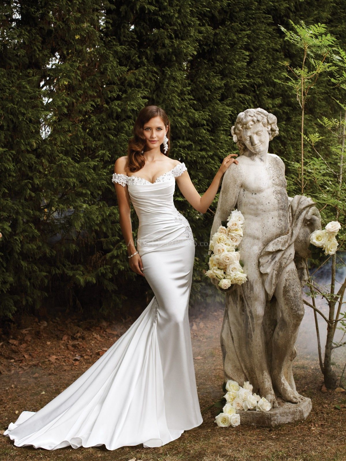 Elastic silk like satin mermaid with appliques off the shoulder