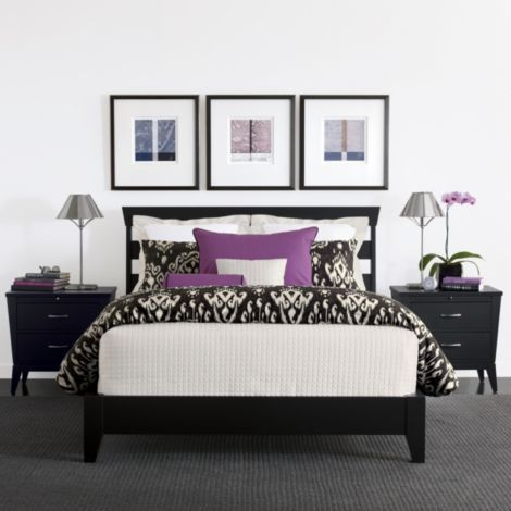 Want this bed! I love the black, white & purple <3