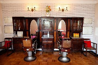 Barber Shop In The House Too Cute Tufted Dining Chairs Salon