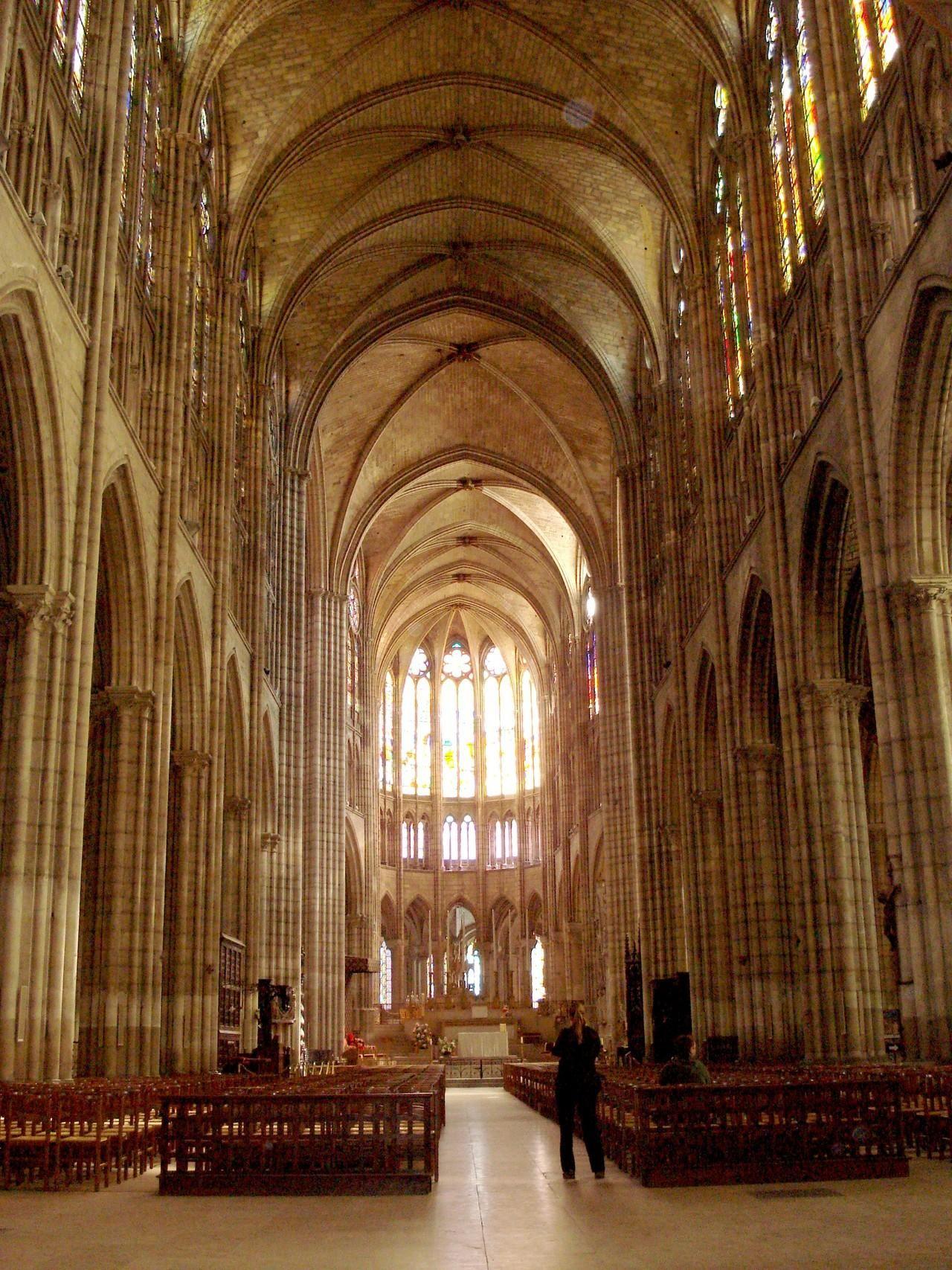 Nef De La Basilique Cathédrale De Saint Denis © Office De Tourisme De Plaine