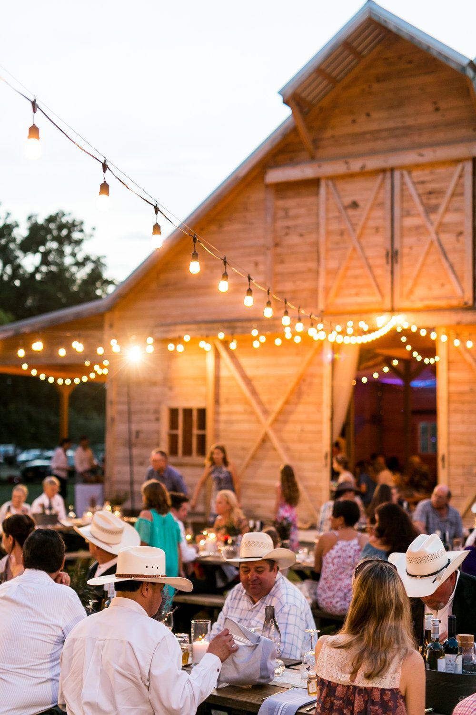 Texas Barn Wedding Venue Country barn weddings, Barn