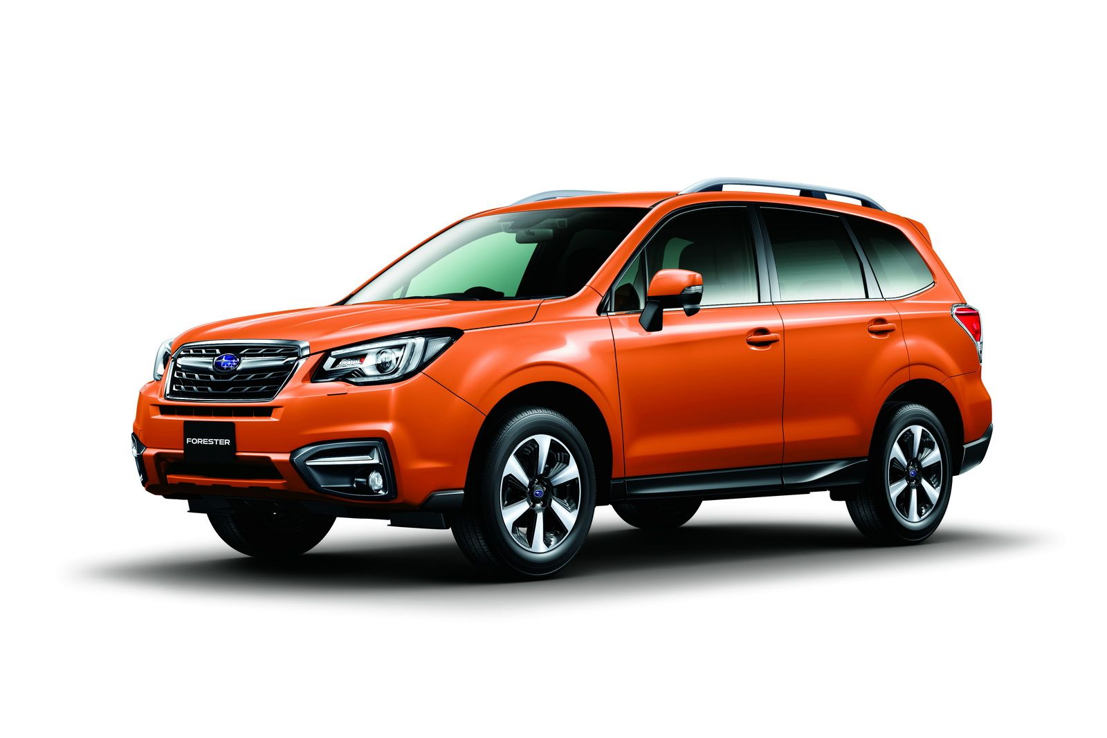 Subaru shows off the facelifted 2017 forester