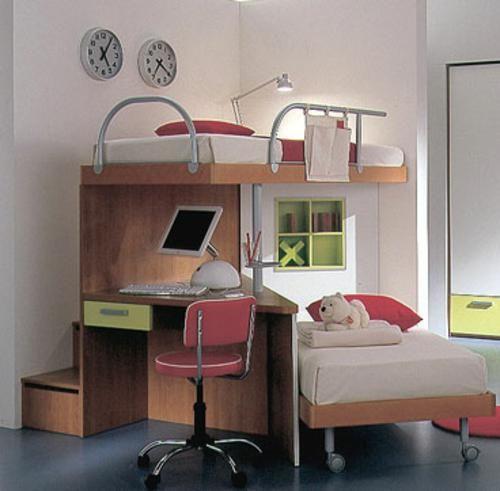 Hochbett mit zwei Betten auf und ab ist eine perfekte Idee
