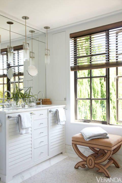 35 beautiful bathroom decorating ideas - Louvered Bathroom Decor