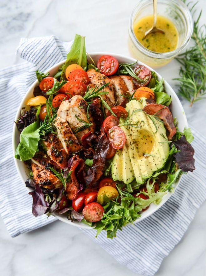 Rosemary Chicken, Bacon and Avocado Salad. {Video!} - How Sweet Eats #summerdinnerseasy
