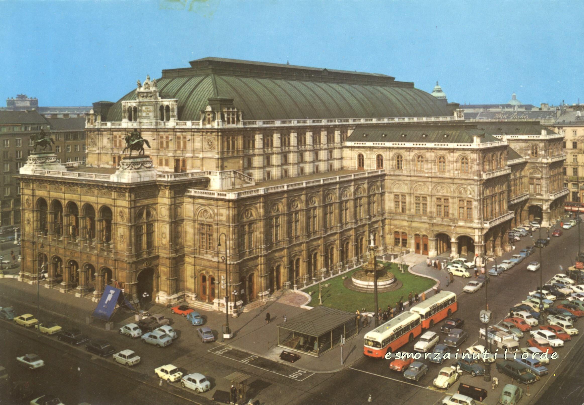 1982 - Vienna - l'Opera di Stato - OperaHouse - Staatsoper -  cartolina, monumento, panorama, piazza, postcard, square