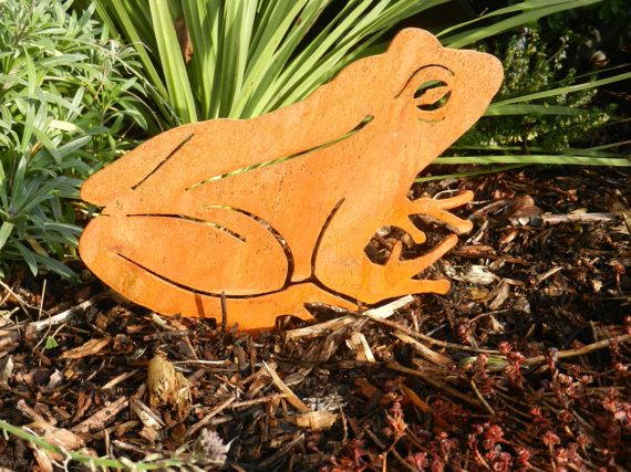 Rusty Metal Frog Rusty Metal Garden Art By Rustyroostermetalart Buy From Etsy Of Www Rustyrooster Rusty Metal Garden Art Pond Decorations Metal Garden Art