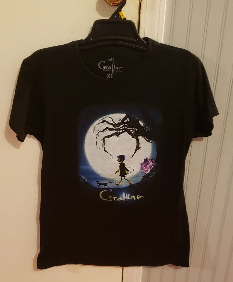 Coraline T Shirt Never Worn Just Tried On Runs A Little Small But Is An Xl In Hot Topic Women S Sizes All My Items Come Shirts T Shirts For Women T