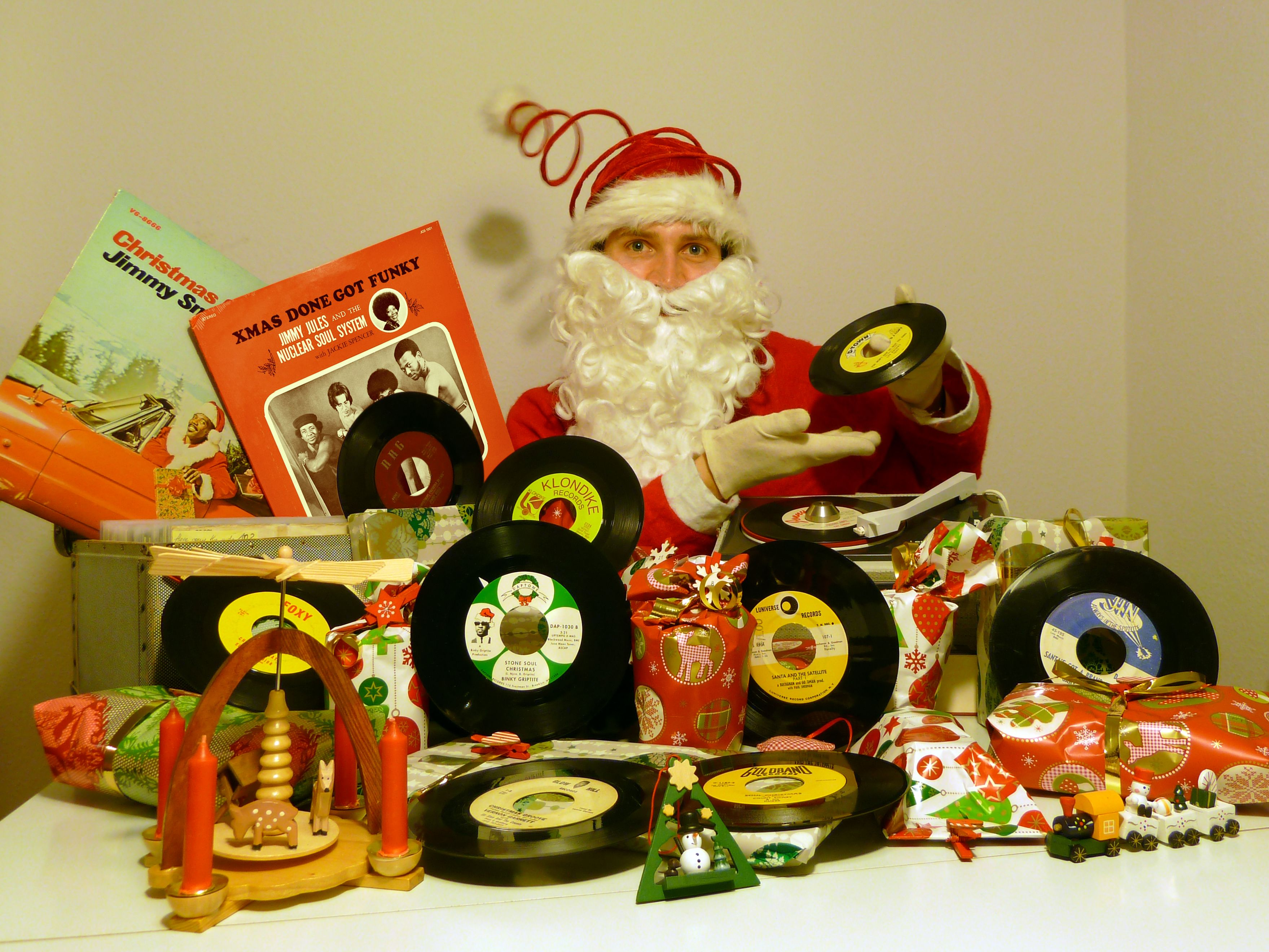 Pin by FuTurXTV on Funky Xmas - Happy New Year - Funk Gumbo Radio ...