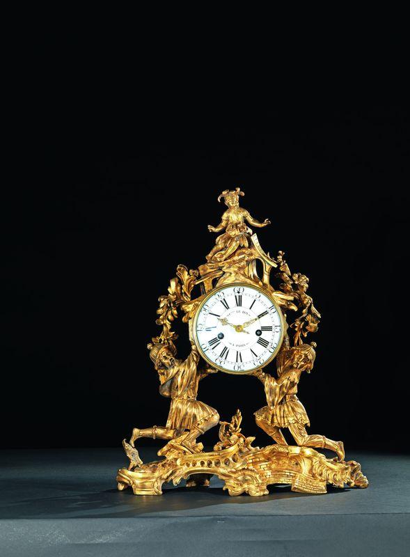 PENDULE « AUX DEUX CHINOIS » Attribué à Jean-Joseph de SAINT-GERMAIN (1747-1772)  Reçu Maître Fondeur-Ciseleur en 1748  Mouvement de Charles LE ROY (1709-1771)  Reçu Maître Horloger en 1733  Paris, époque Louis XV, vers 1750