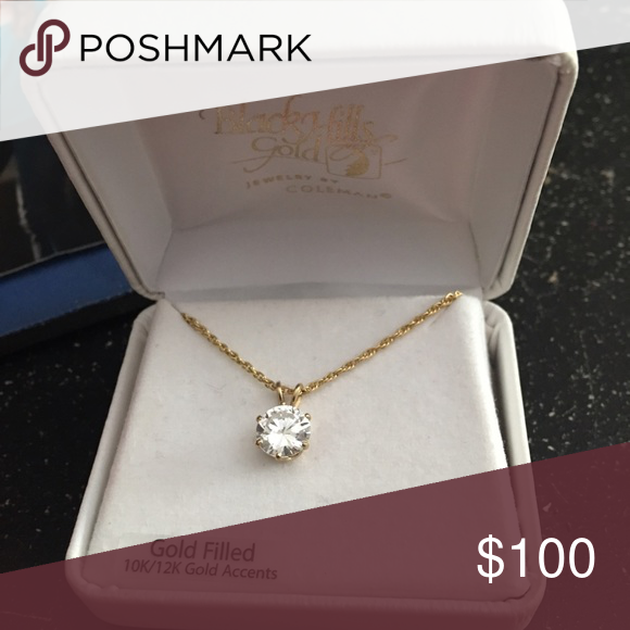 🚨NEED GONE🚨Diamond&Gold necklace Brand new , got it as a gift but I cannot wear gold, I only wear stainless. Diamond is real, my friend paid so much and I feel horrible but I cannot use it and she cannot return it because she lost the stuff for it. So make an offer , open to trades for my ISO's on my page❌BOX IS LOST SO ITS NOT INCLUDED 😞❌ Jewelry Necklaces