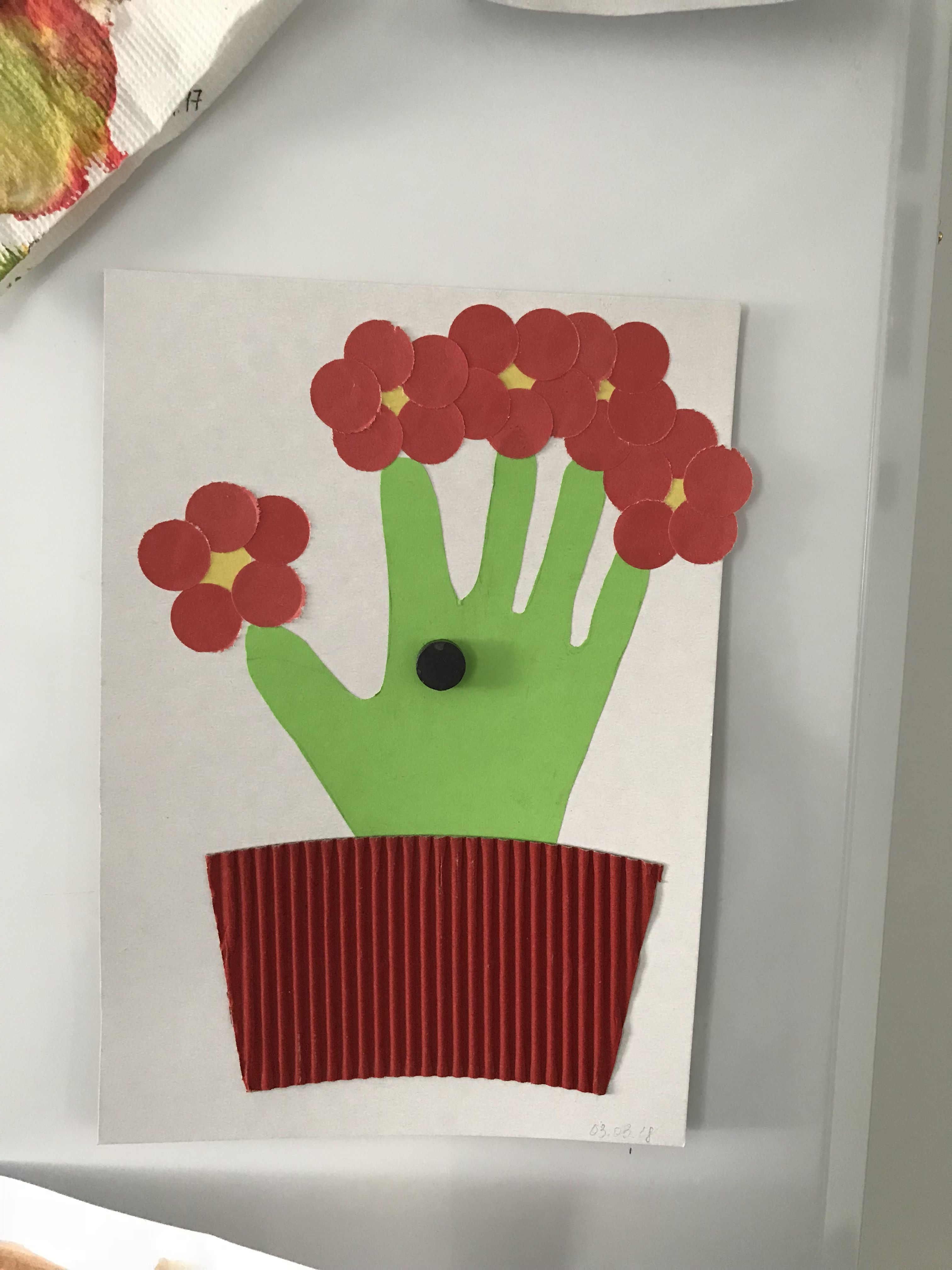 27+ Crafts for 2 year olds with construction paper info