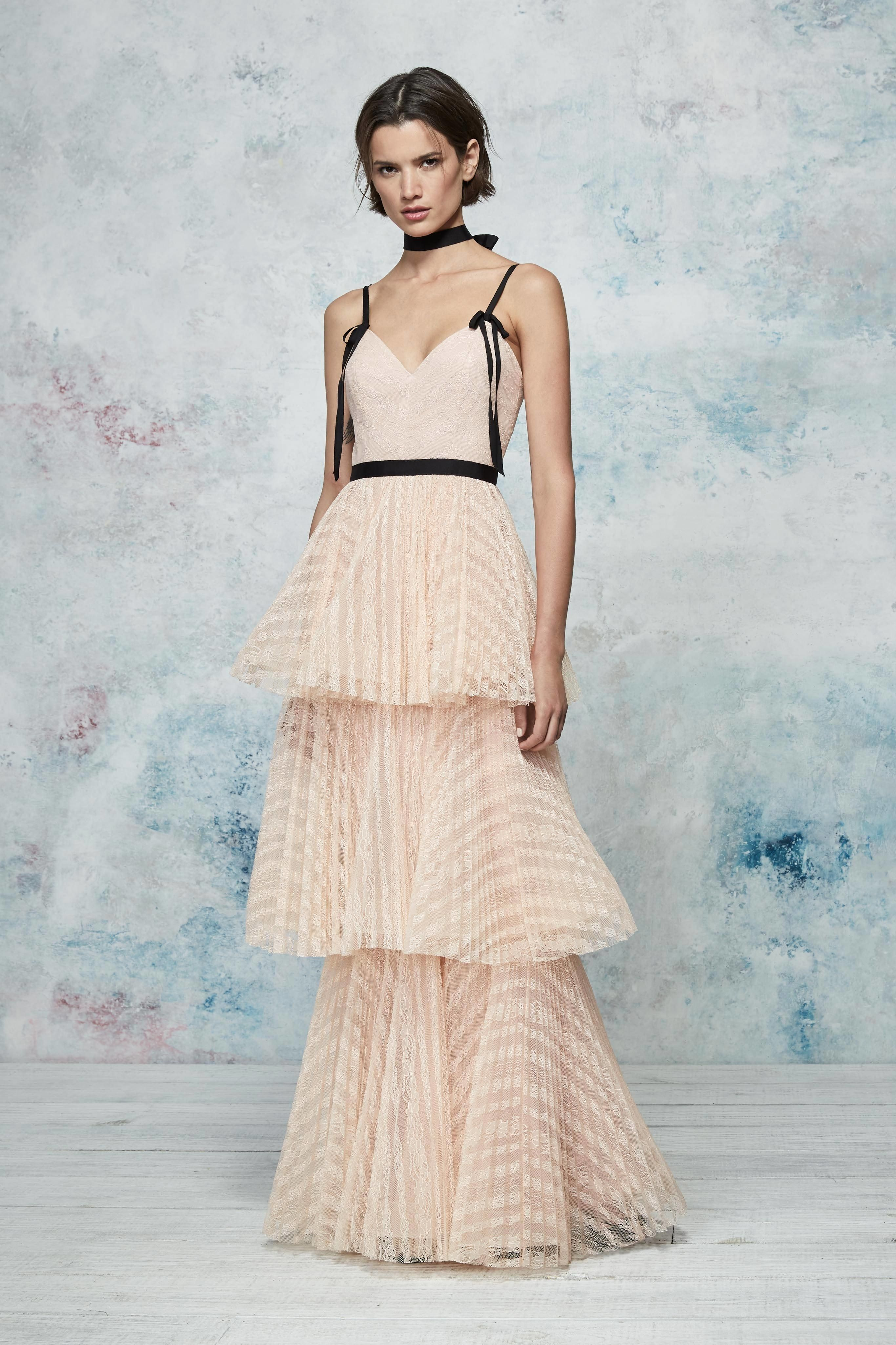 ebef3071 Marchesa Notte Resort 2019 New York Collection -  Vogue#purveyoroffinefabrics #rexfabrics #passionforfabrics