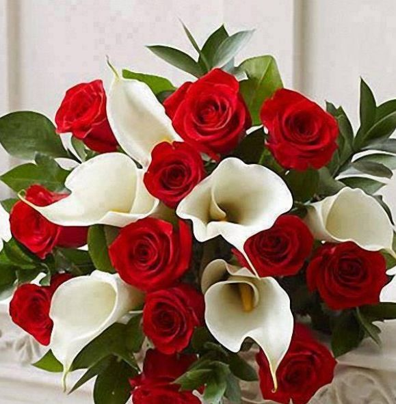 This Would Be A Simple And Pretty Bouquet White Mini Calla Lilies Red Roses Israeli Ruscus