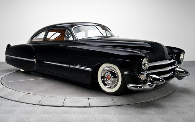 Kuva sivustosta http://blog.cars-on-line.com/wp-content/uploads/2013/09/1949-Cadillac-Custom.jpg.