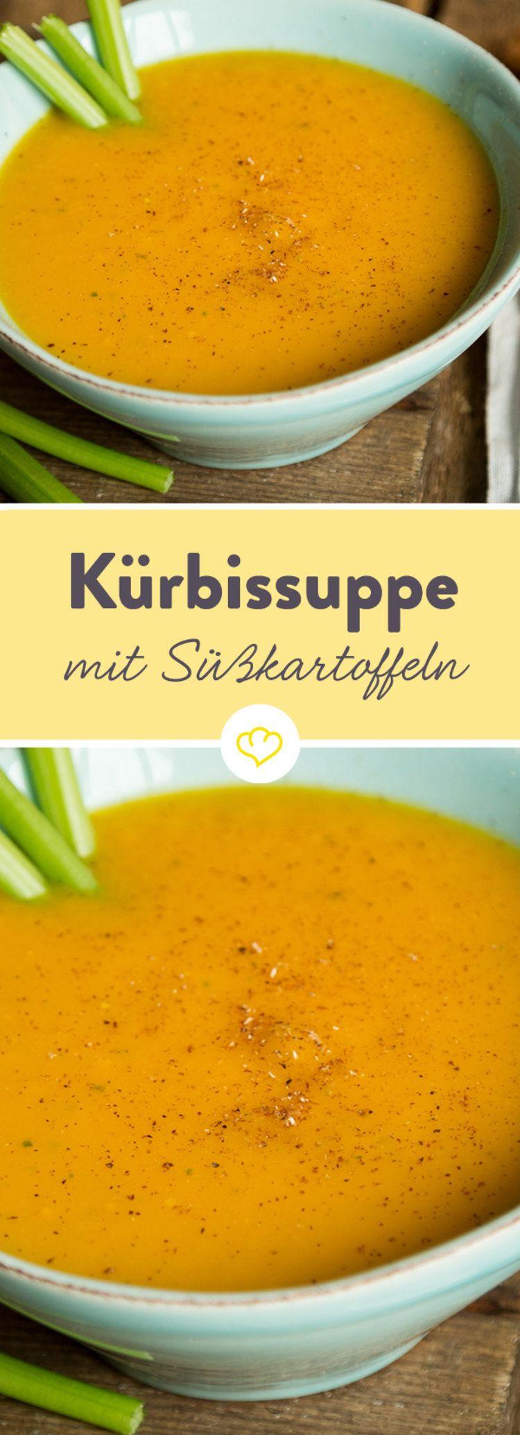 Was ergeben Kürbis und Süßkartoffel? Eine wunderbar sämige Suppe, die dich mit ihrer leichten Süße und einem Hauch Zimt an kalten Tagen fröhlich stimmt. #kartoffelrosenrezept