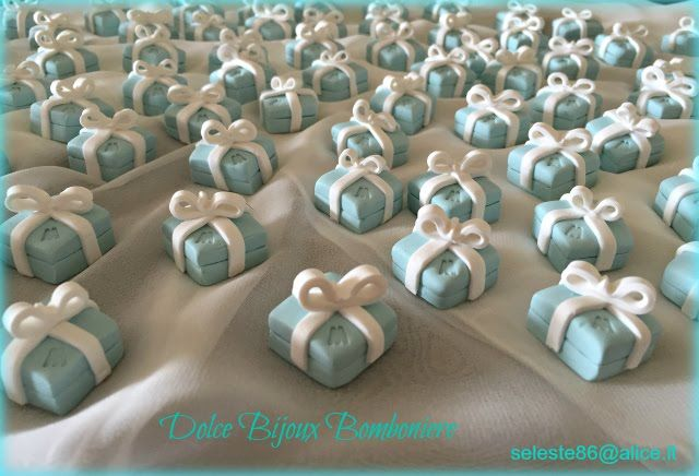 Segnaposto Matrimonio Verde Tiffany.Pin Su Bomboniere E Segnaposto