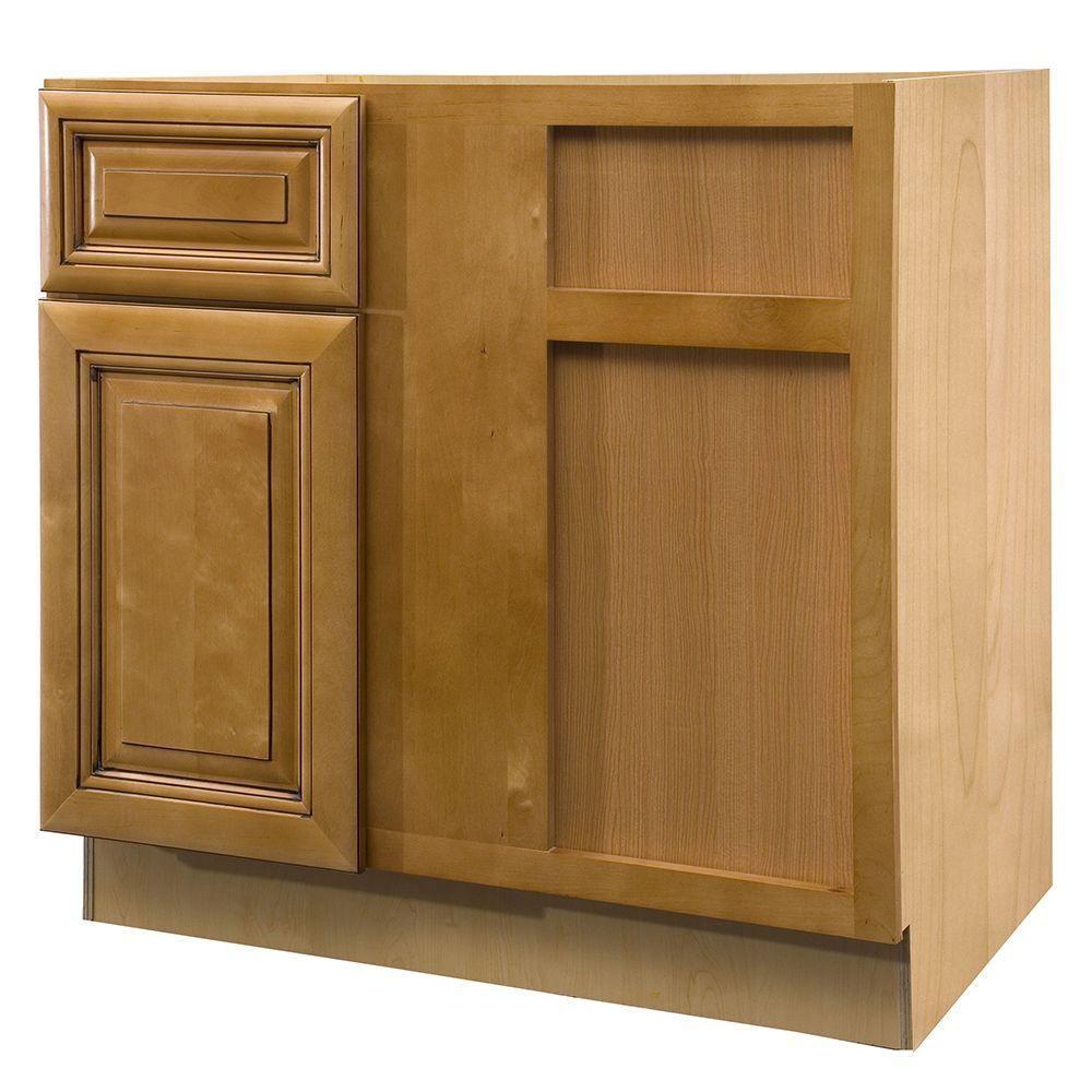 Corner base kitchen cabinet  Lewiston Assembled xx in Single Door u Drawer Hinge Right