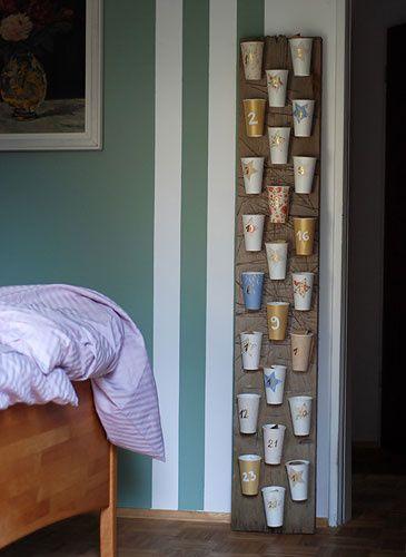 adventskalender selber machen mit pappbechern bastelarbeiten pinterest adventskalender. Black Bedroom Furniture Sets. Home Design Ideas