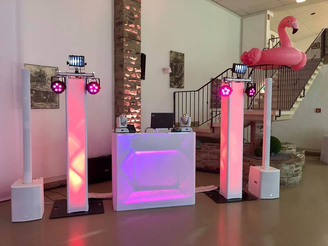 Hochzeits Dj Beatpoet Legt Musik Auf Dj Table Party Table Novelty Lamp