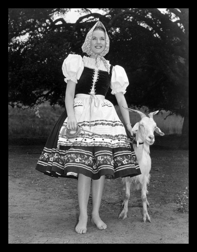 Hungarian peasant girl  f96ac4aa0f