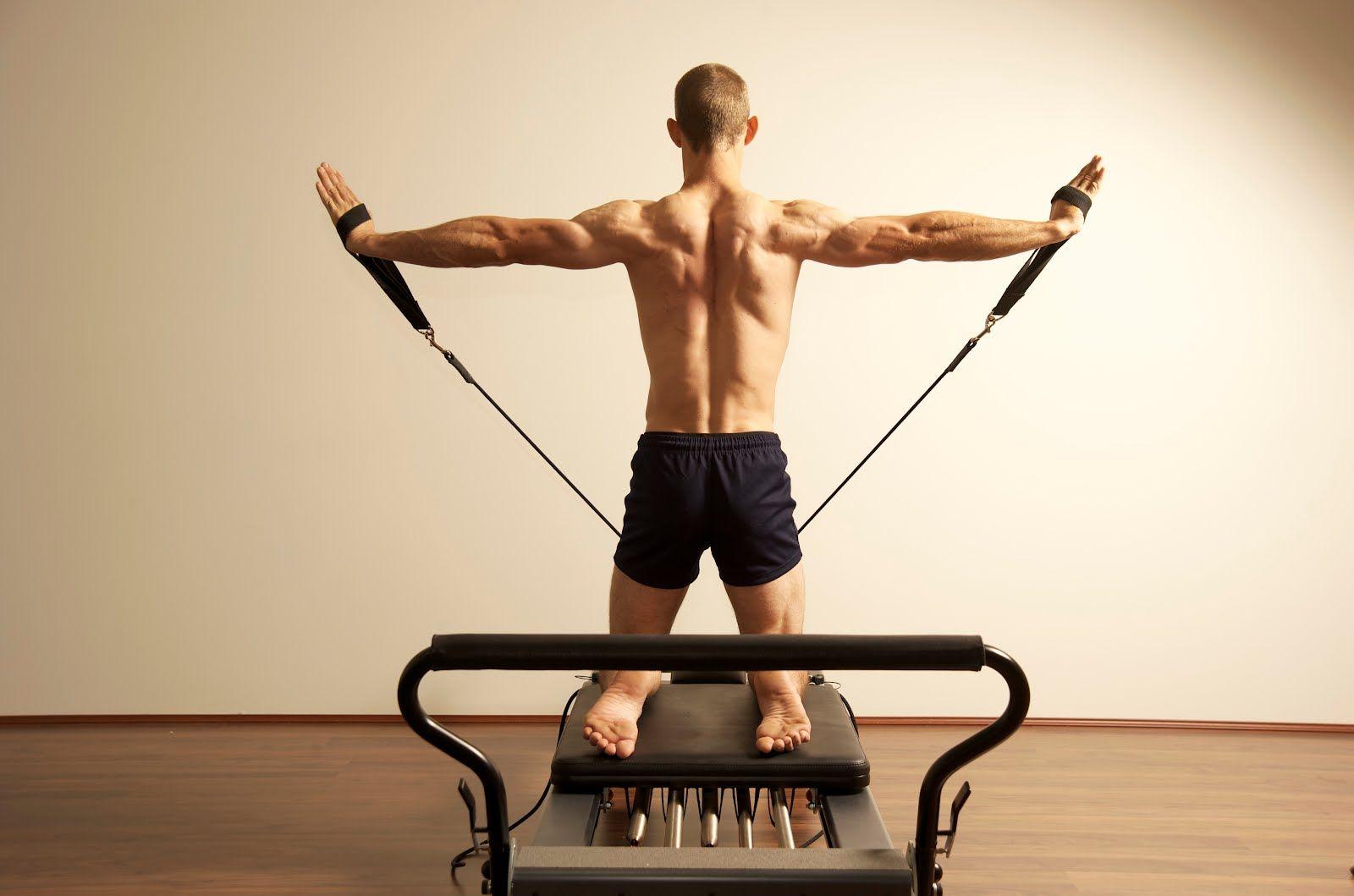 Pilates Ideas Para Tu Rutina Hombres Taispa Pilates Pilates For Men Pilates Reformer Pilates Workout